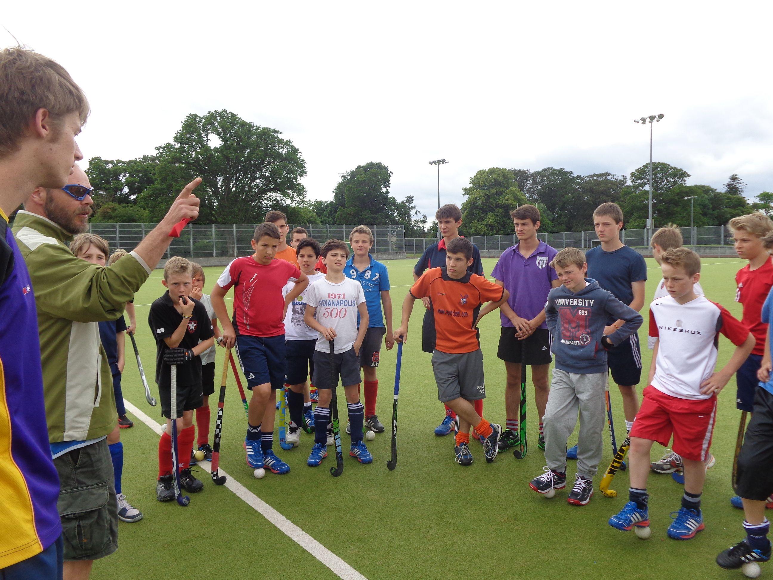 S jour hockey anglais sports et vacances for Voyage organise jardins anglais